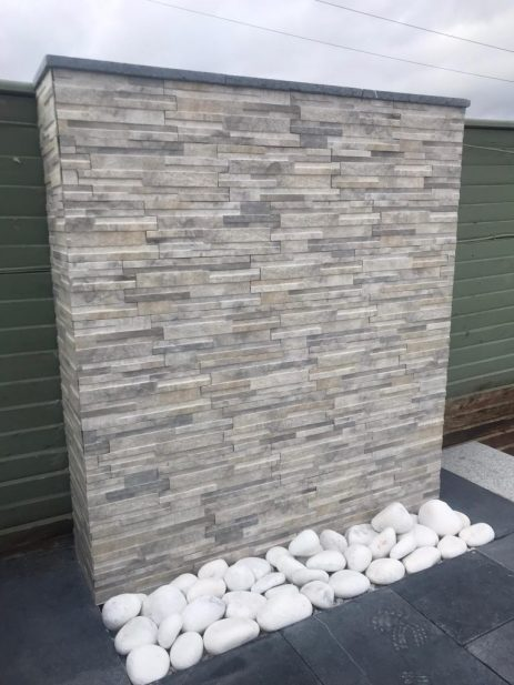 Quarzo Grey Porcelain Wall Cladding  & White Cobbles 150-200mm