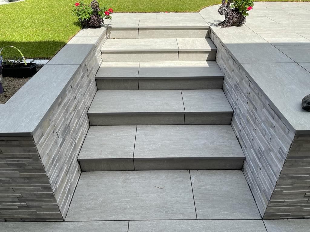 Vals Silver Steps & Quarzo Grey Wall Cladding