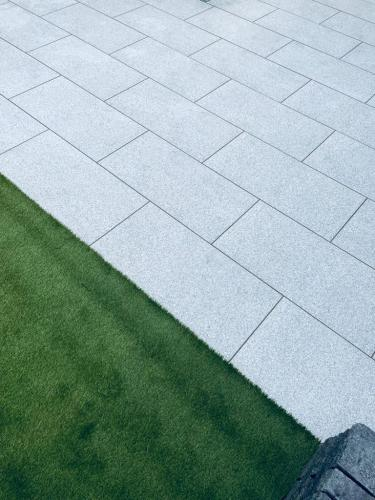 SIlver-Granite-Effect-Porcelain-Installed-By-Agora-Outdoor-Solutions