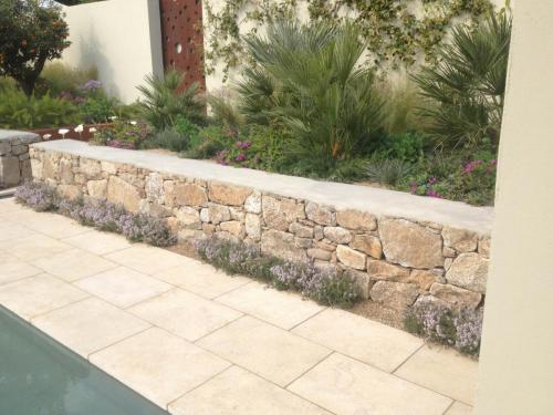 Menya Limestone in Show Garden