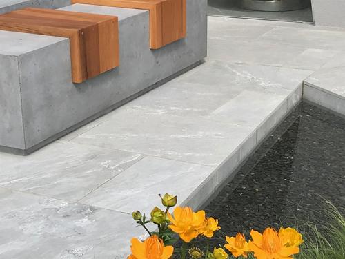 Grigio Grey Porcelain In Bloom Show garden