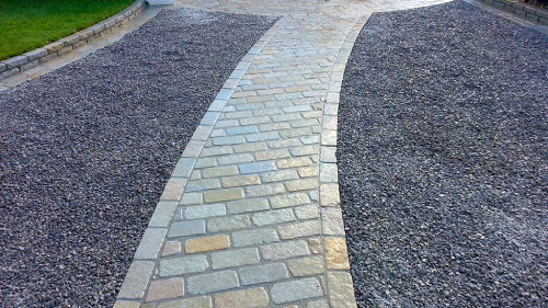 Completed Driveway With Ecco Gravel Honeycomb Panels Used.