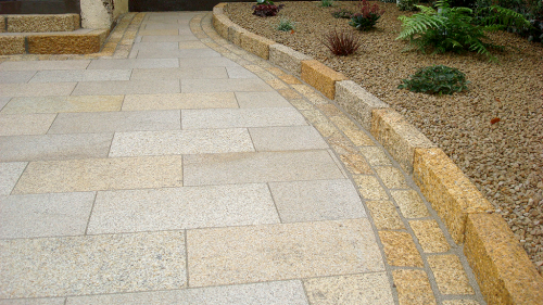 Gold Granite Kerbstone, cobbles & paving used on a drieway